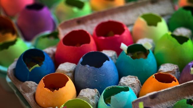 cascarones or confetti eggs at easter