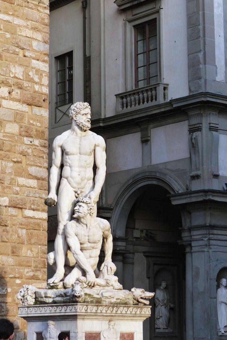 Statues near the Uffizi